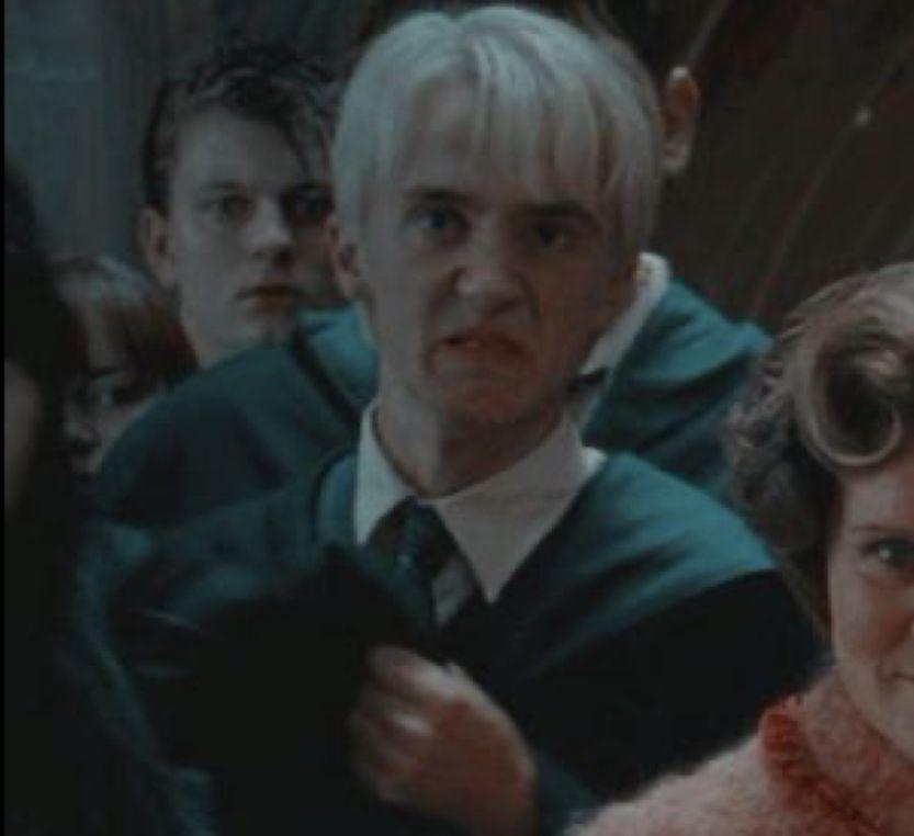 Pin By Savannahlovelady On Widget 13 Draco In 2020 Harry Potter Draco Malfoy Draco Malfoy Aesthetic Draco Malfoy