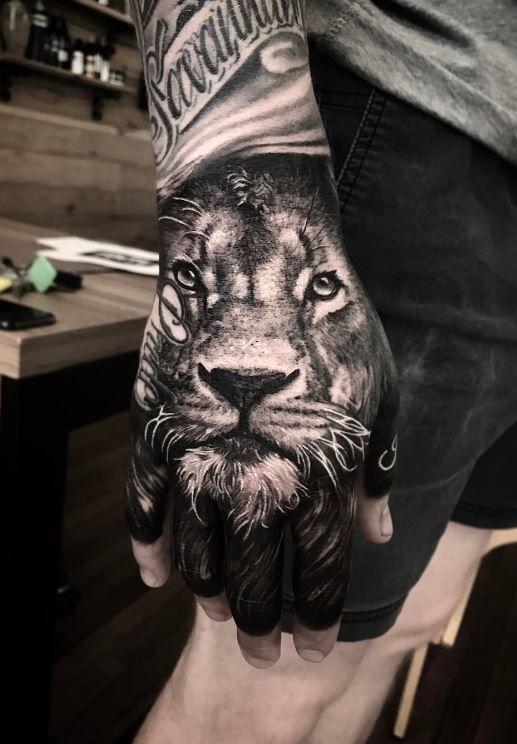 Lion Hand Tattoo Animal Tattoos Hand Tattoos Tattoos Lion Hand