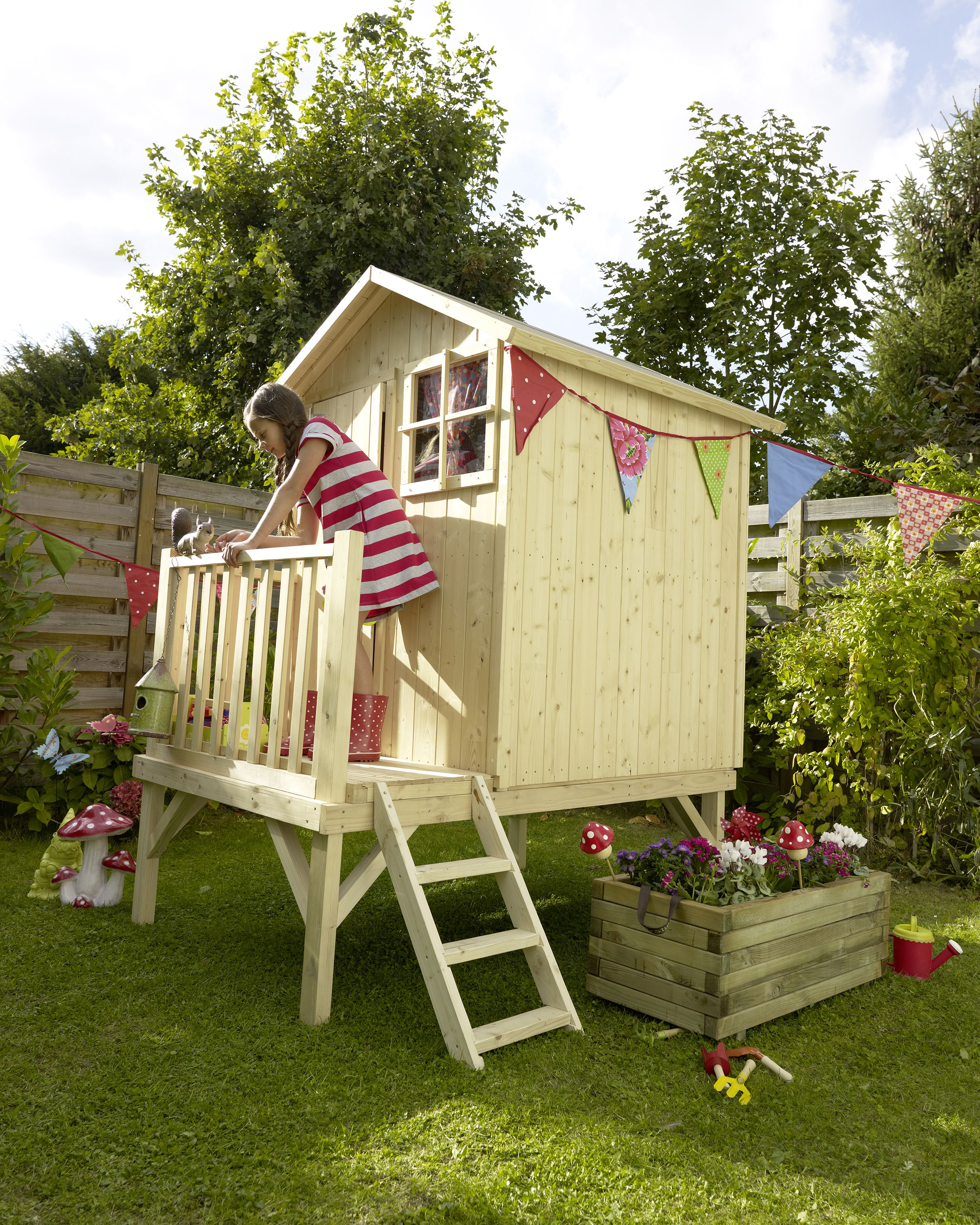 maisonnette bois blooma alisma jardin indoor playroom. Black Bedroom Furniture Sets. Home Design Ideas