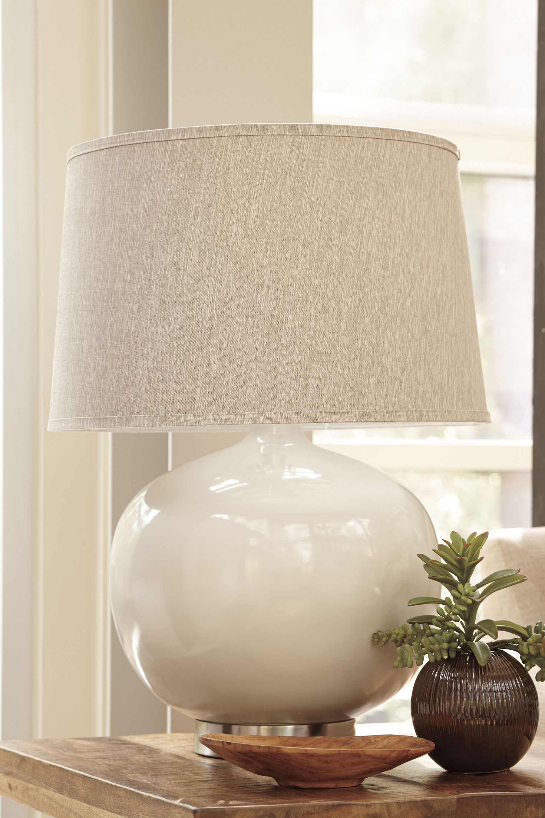 Signature Design By Ashley 29 Tall Poly Table Lamp With In Modified Drum Shade 3 Way Switch And Round Body Light Gray L235404 At Appliancesconne Mobilier Lamp