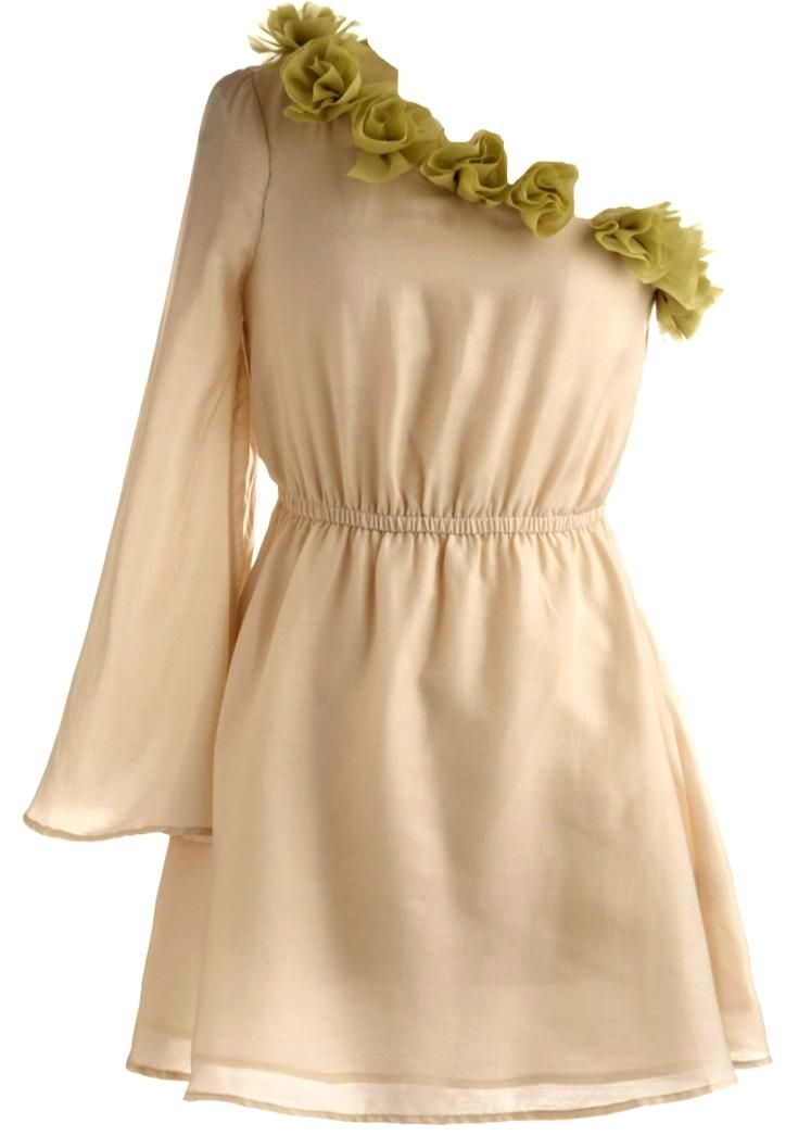 This would be so pretty on someone with medium - dark skin and dark hair! Grecian Roses Dress