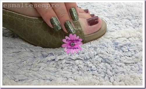 esmalte importado locavore RBL + Artdeco 120 mãos e mauve urban colorama pés #nailpolish #esmaltesempre