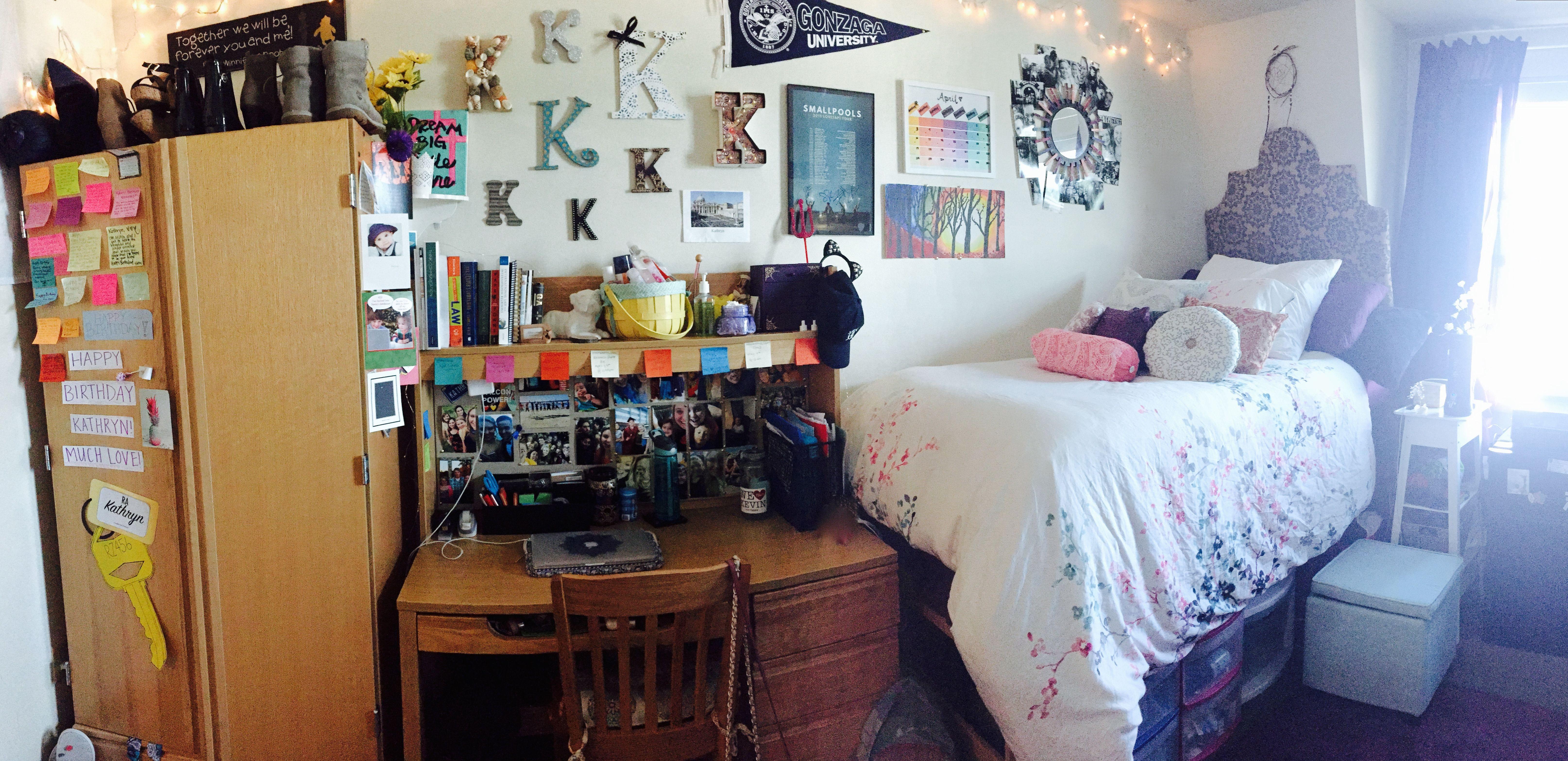 My freshman dorm room at Gonzaga University    Dorm Room