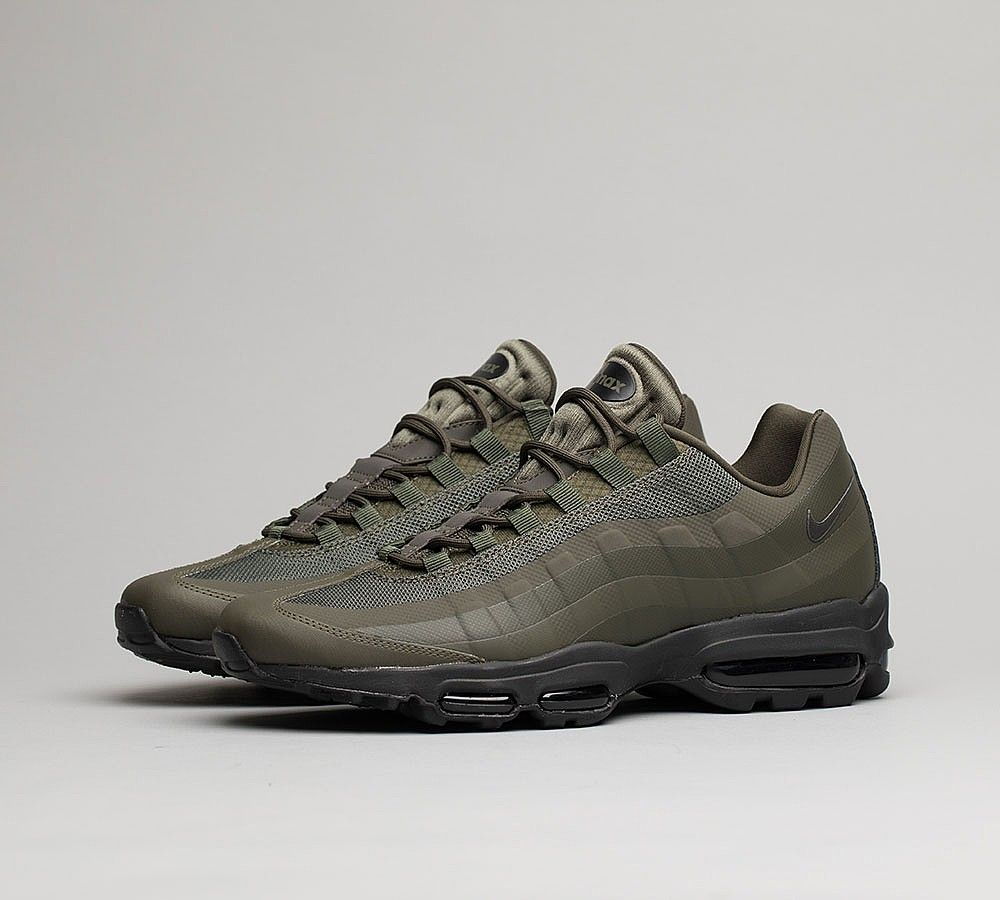 Nike Air Max 95 Ultra Essential Trainer  84a3333ea