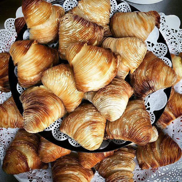 [New] The 10 Best Dessert Ideas Today (with Pictures) -   Sfogliatelle napoletane !!! . . . . .