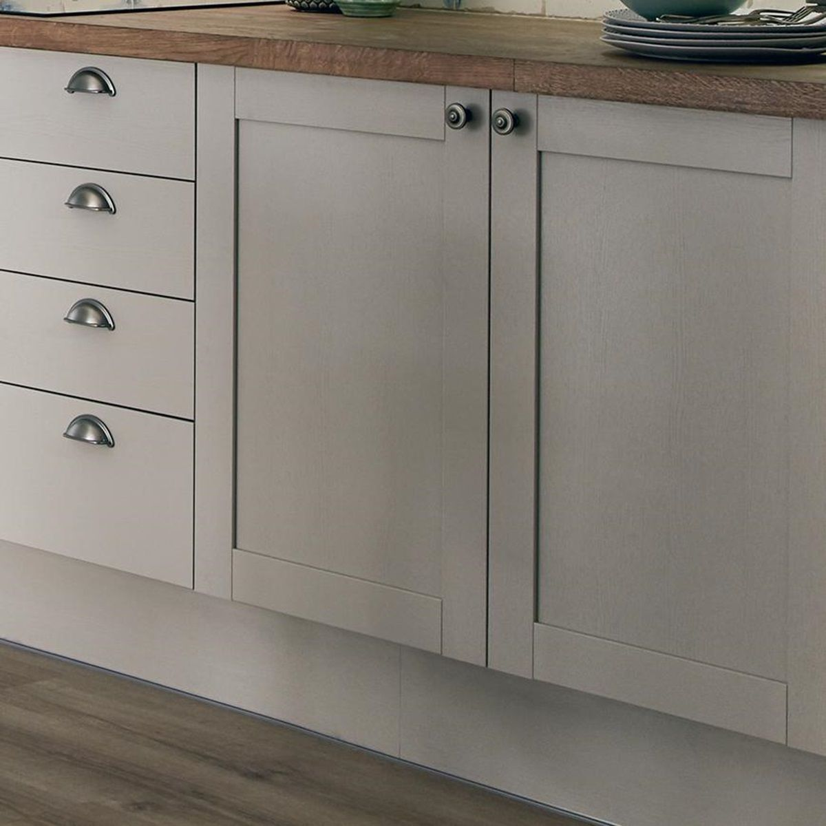 Allendale Cashmere Kitchen Fitted Kitchens Howdens in