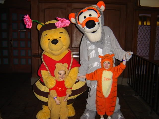 Mickeys Not So Scary Halloween Party COSTUME Pictures - post here - scary halloween ideas