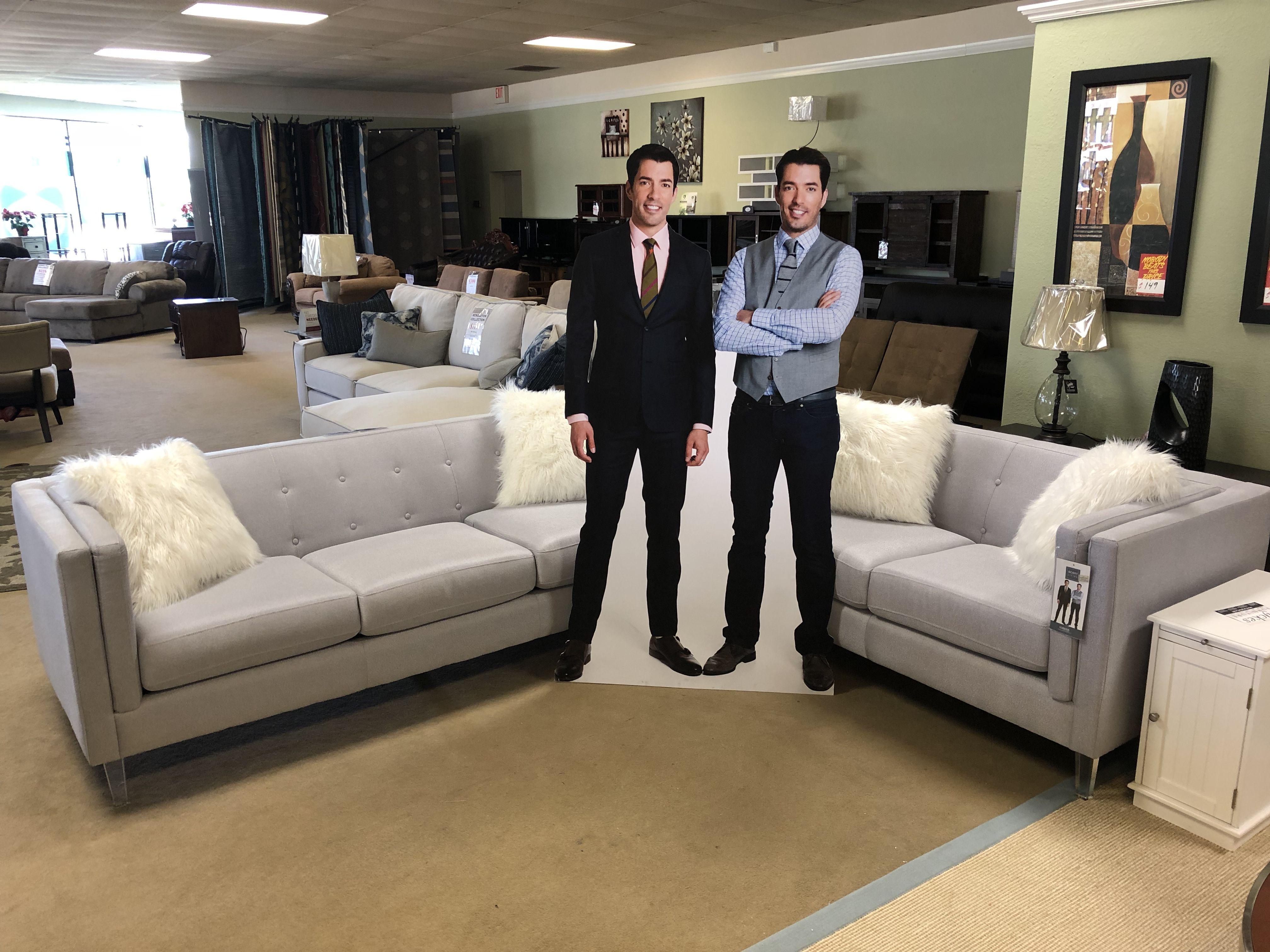 Scott Living Hemet 506211 Crystal Clear Acrylic Leg Grey Sofa Set