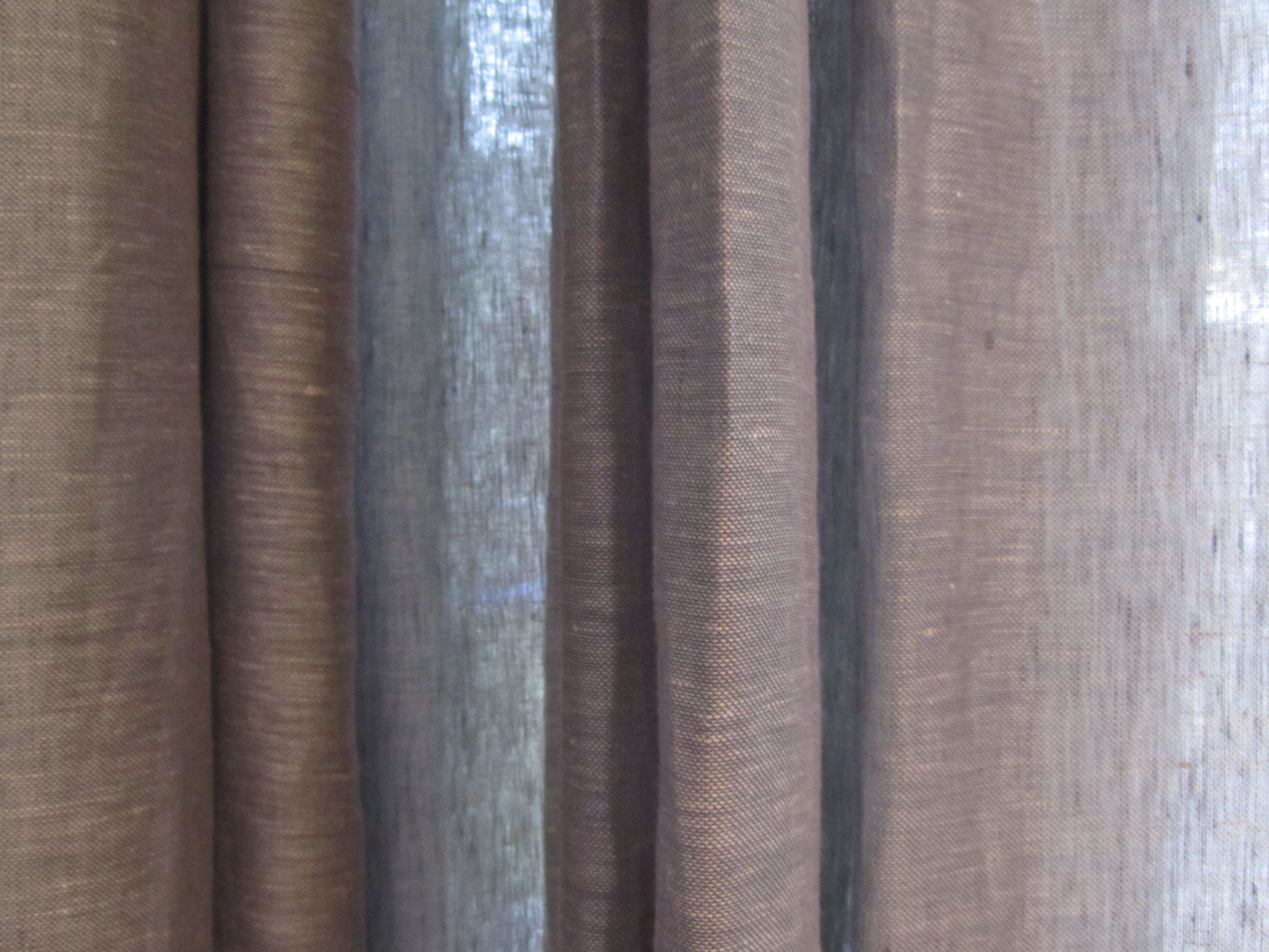In between linnen gordijnen ( linnenlook ) en verduisterende stof ...
