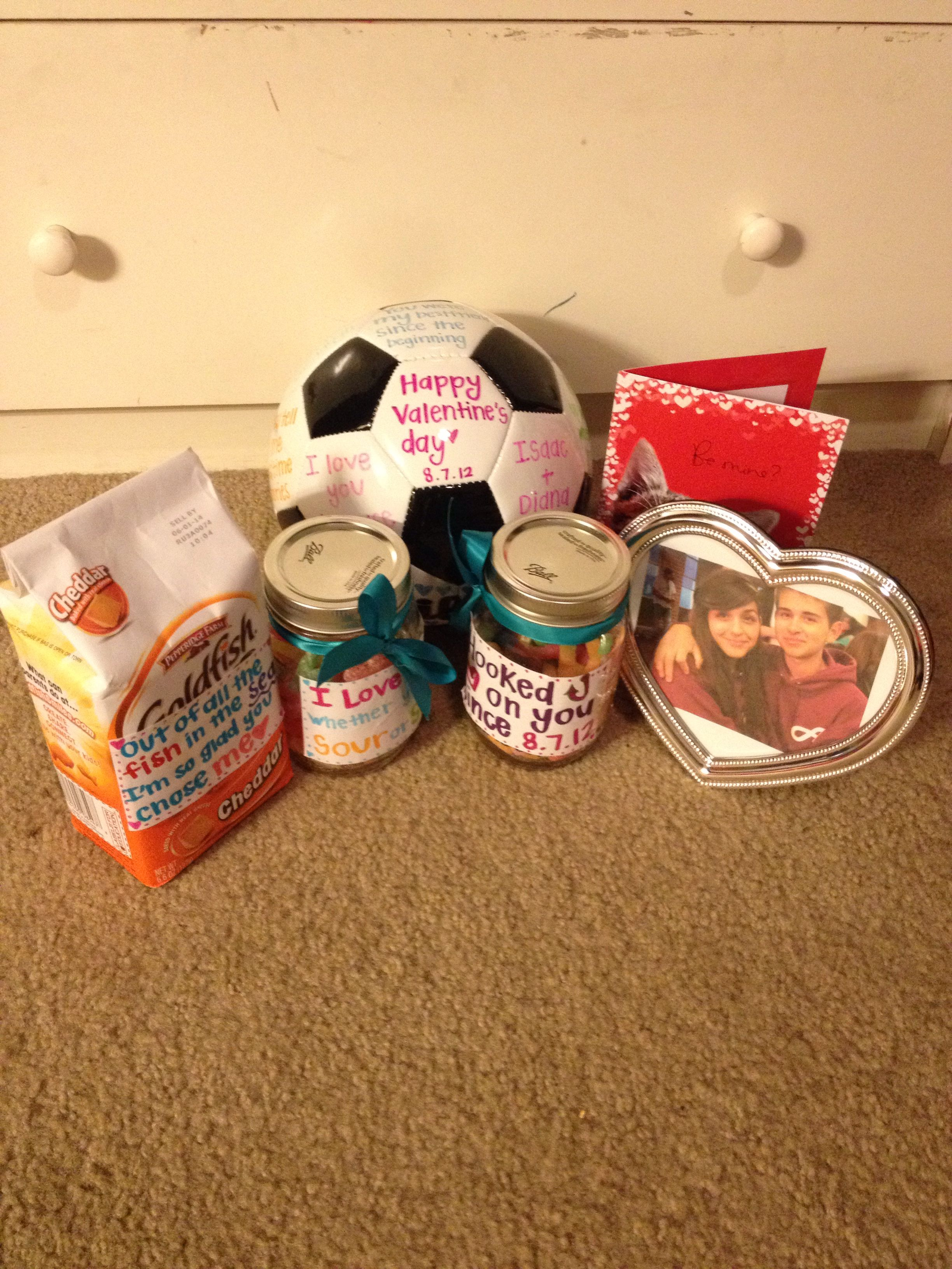 Valentine S Day Or Anniversary Gifts Soccer Diydiana Diy Gifts For Boyfriend Birthday Gifts For Boyfriend Valentine Gifts