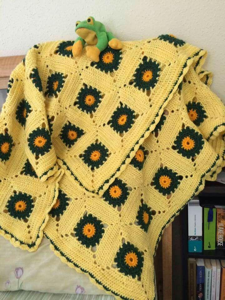 Cobija en amarillo y verde