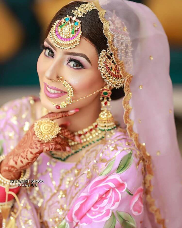 Massive And Oversized Maang Tikka Designs For 2020 Brides-To-Be! in 2020 |  Tikka designs, Maang tikka design, Bride