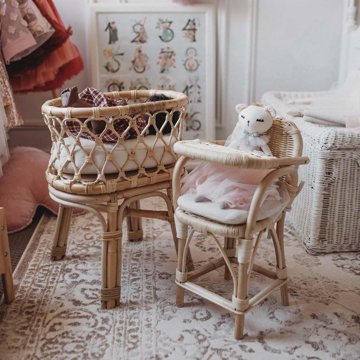 TINY HARLOW Rattan Dolls Highchair Doll high chair, Doll