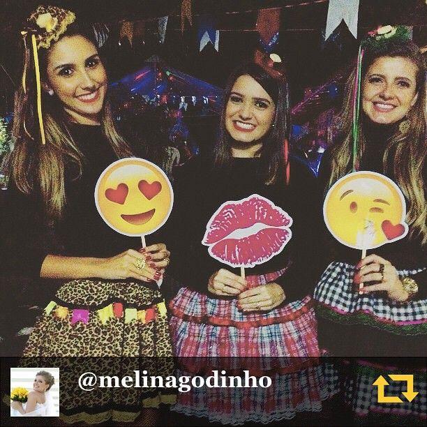 Instagram media specialepervoi - RG @melinagodinho: Primas lindas que ganhei  #belloses #pegoufogo #maismomentosassim #momentofamília #3 #regramapp #emojis