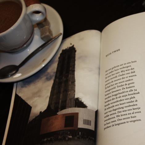 'Huis twee' | Maanbundel | brochure theatre company De Maan | www.demaan.be | BE |