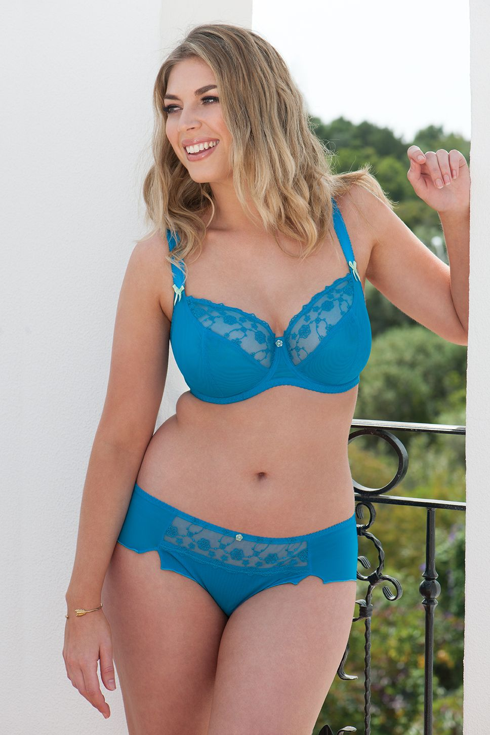 b37f6fd21 Curvy Kate s everyday bra Florence is now available in this electric blue -  available in a D-K cup