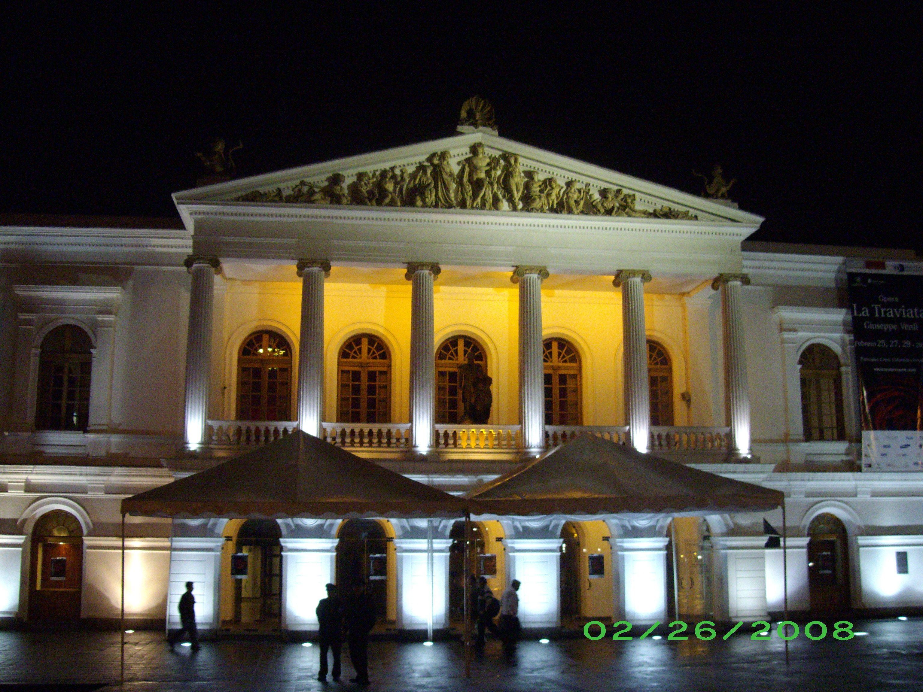 Teatro Nacional De Quito Ecuador Hermosa Ciudad Patrimonio Cultural De La Humanidad House Styles Mansions Outdoor Structures