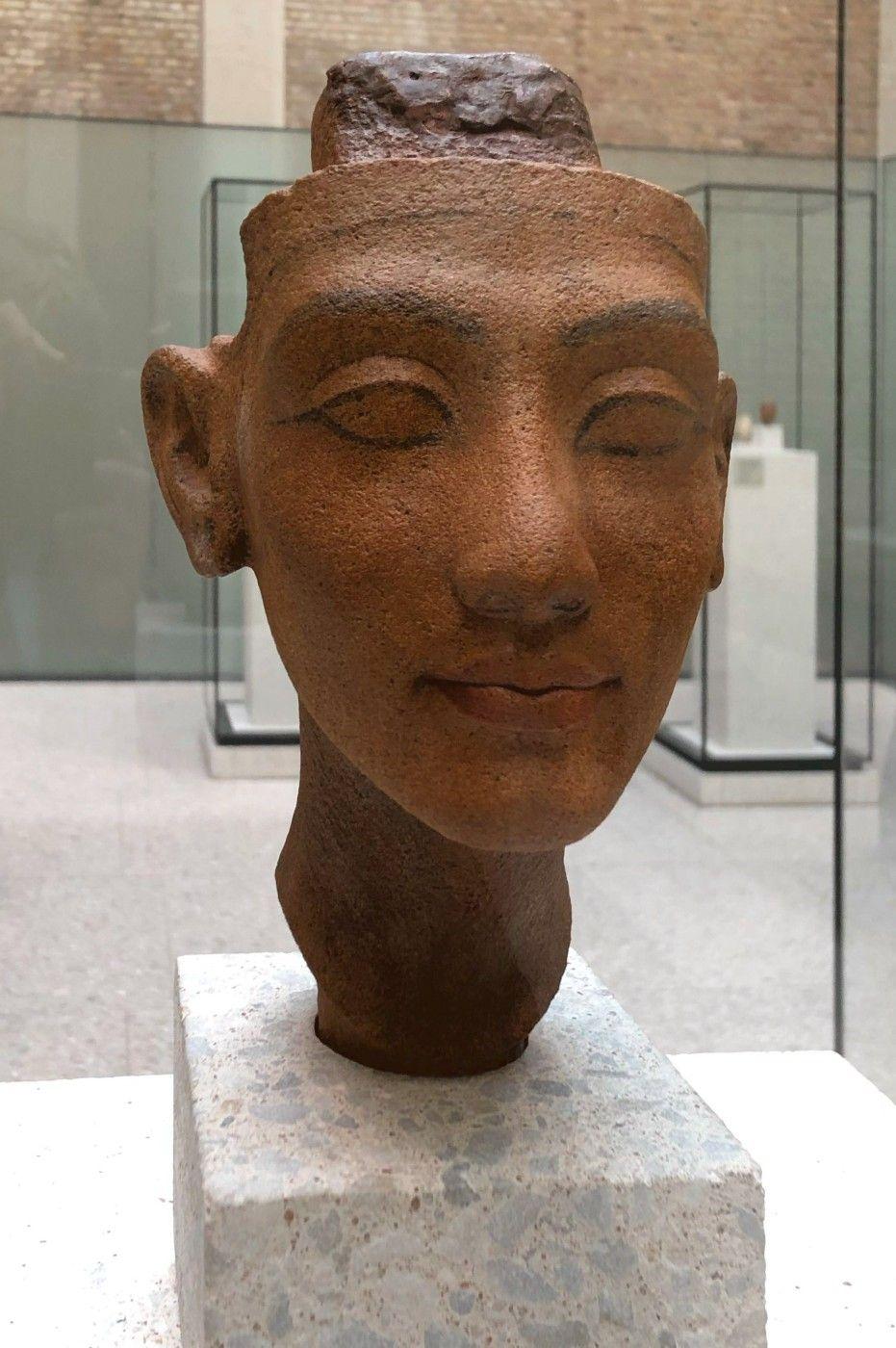 Kopf Einer Konigin 1335 V C Neues Museum Berlin Berlin Museum Neues Museum Museum