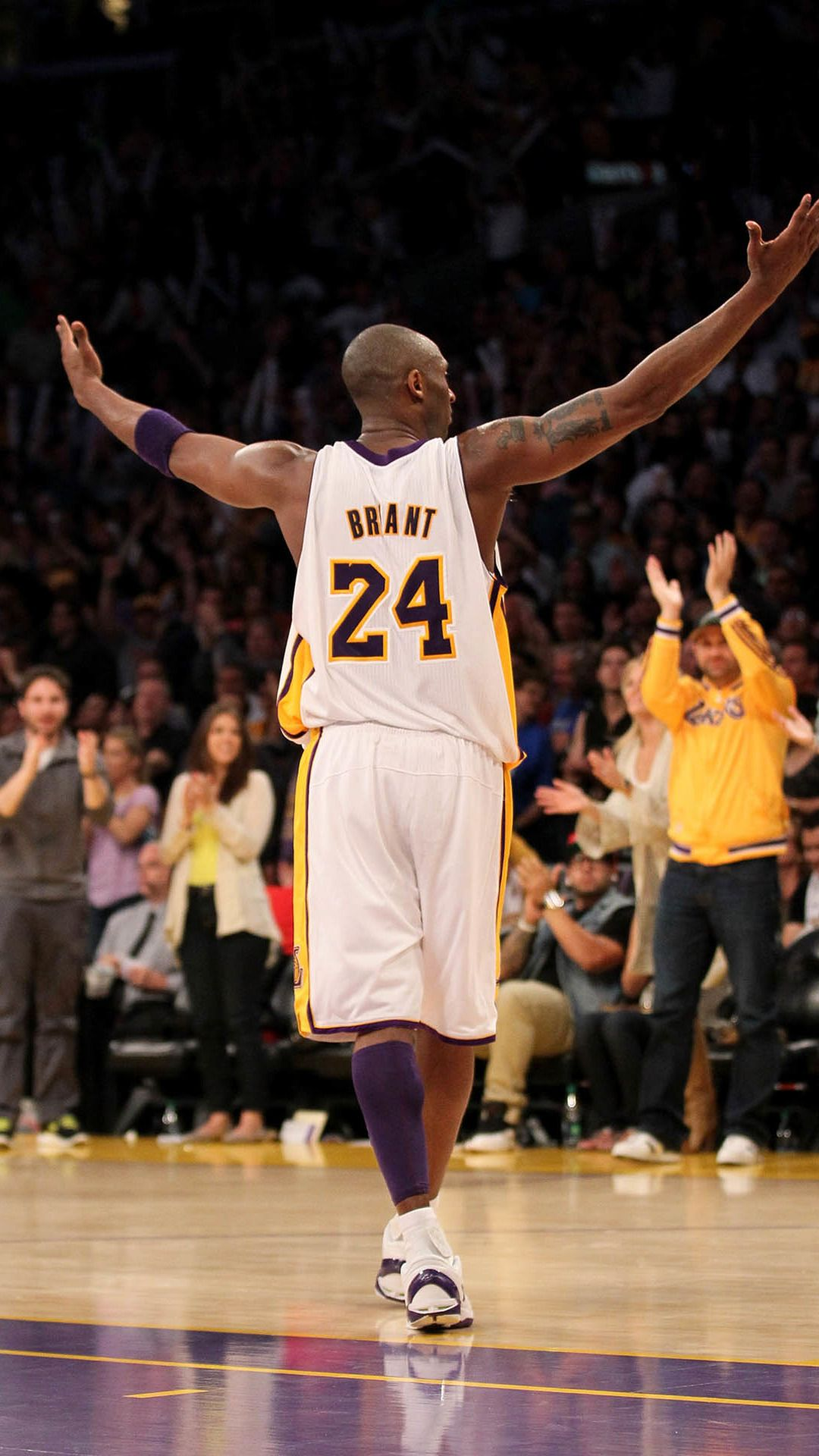 Bryant Kobe Nba Sports Super Star Arena Sucess Cheer Iphone 6 Plus Wallpaper