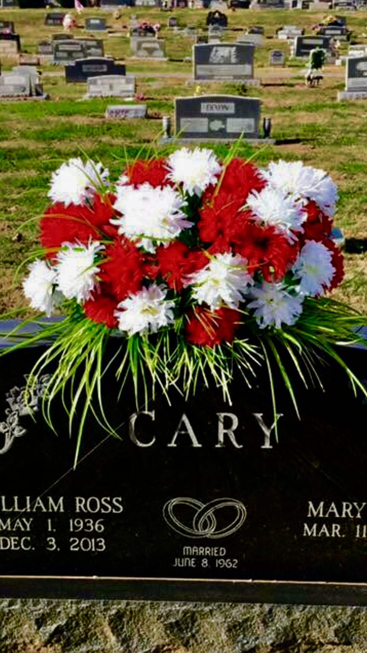 Flowers for my dads headstone saddleflowers funeralflowers flowers for my dads headstone saddleflowers funeralflowers funeral flowers cemetery izmirmasajfo
