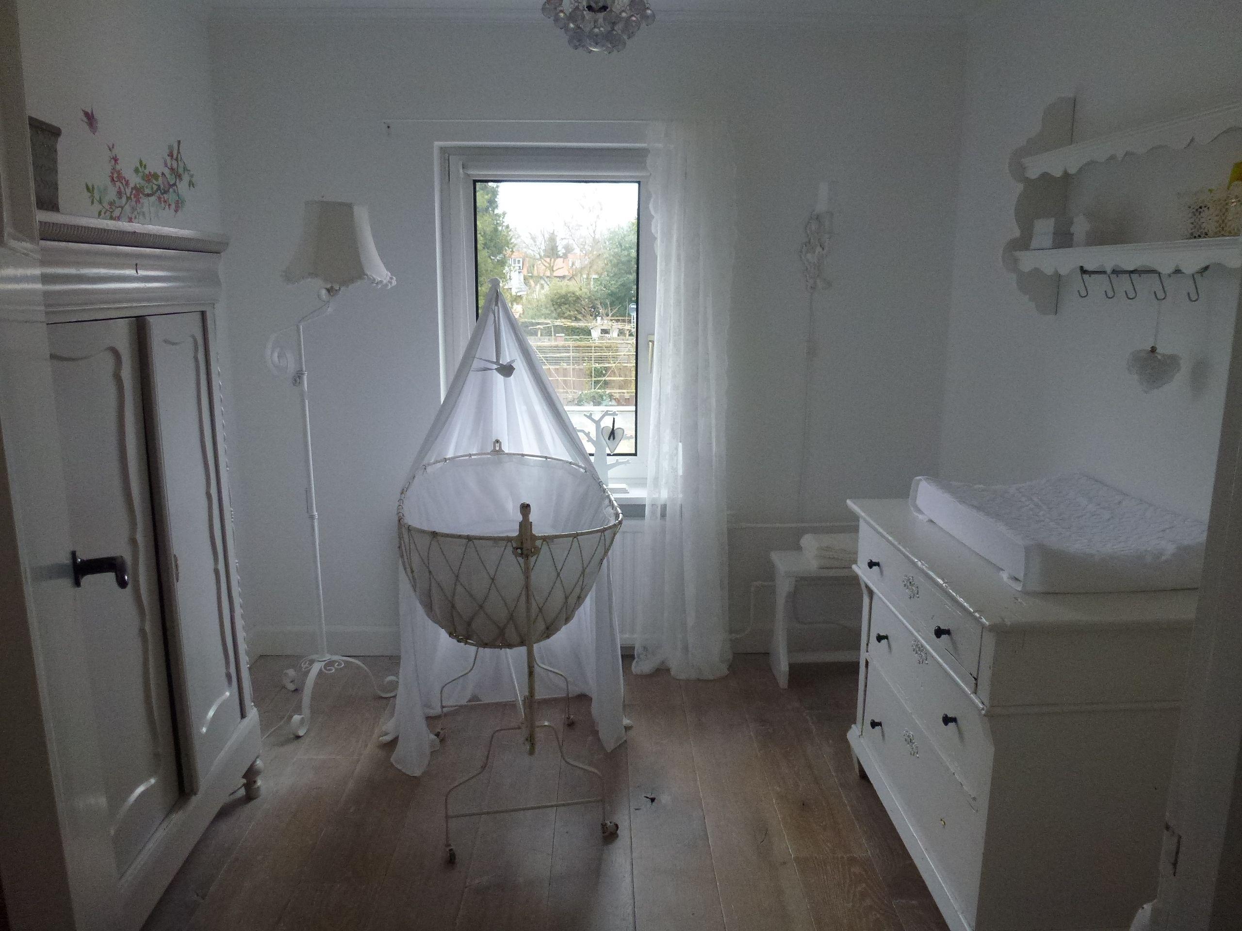 witte babykamer | mooie brocante | pinterest | album, Deco ideeën