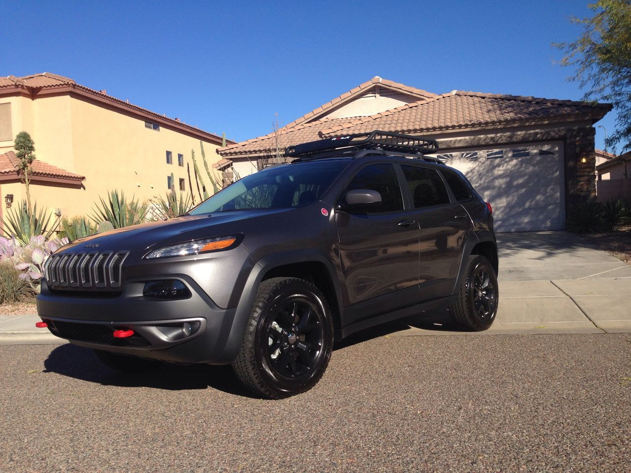 dream car 2015 jeep cherokee trailhawk in granite crystal with blacked out tires inspire. Black Bedroom Furniture Sets. Home Design Ideas