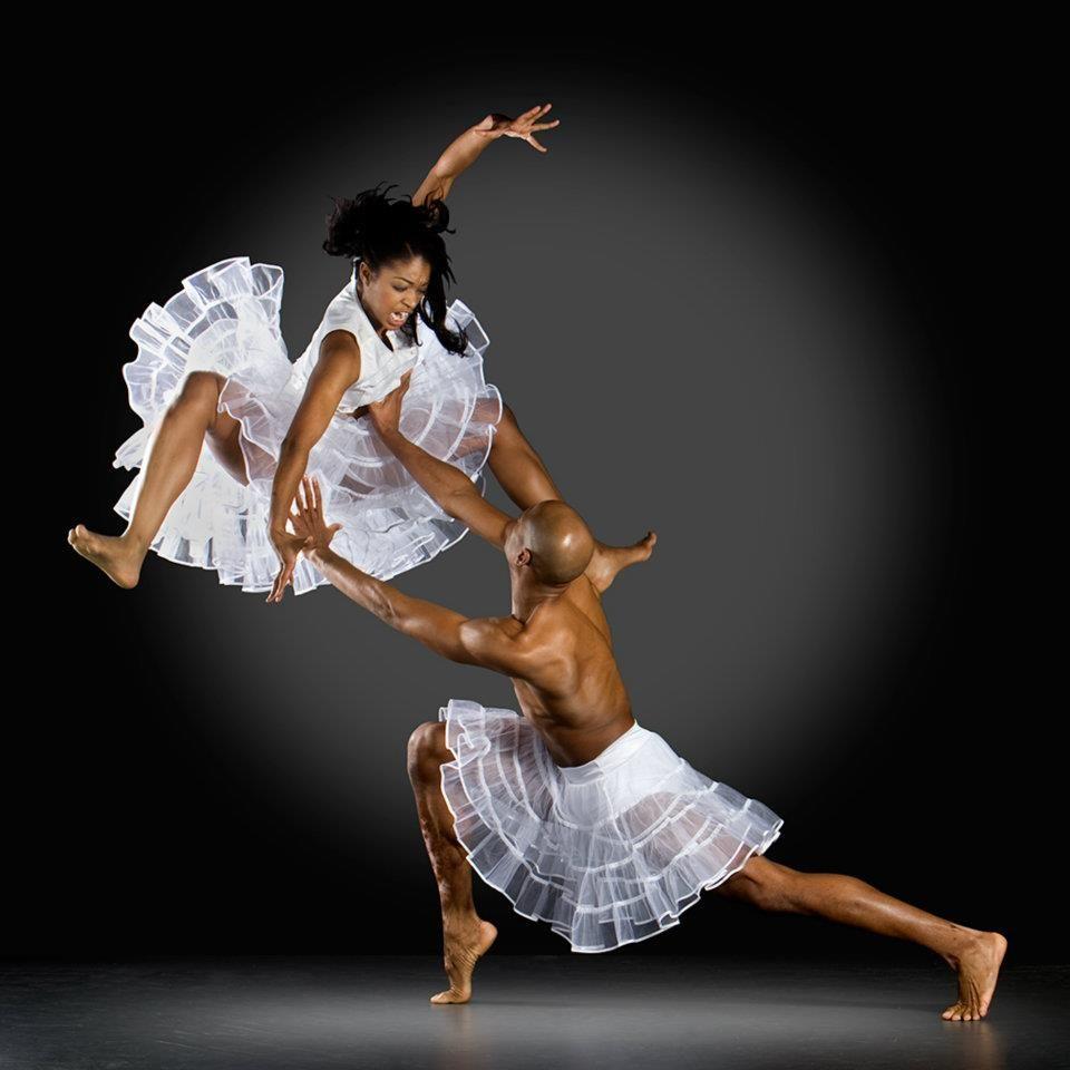 Бальные танцы в смешных картинках