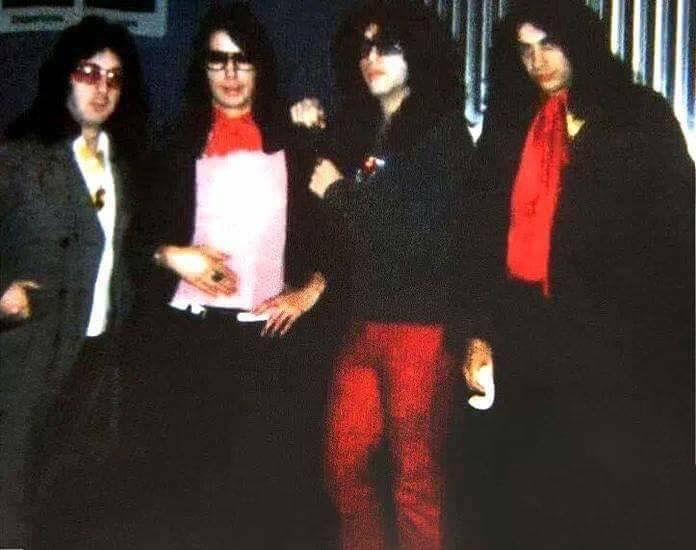 Pin By Chris Fortin On Kiss Kiss Photo Hot Band Dressed To Kill