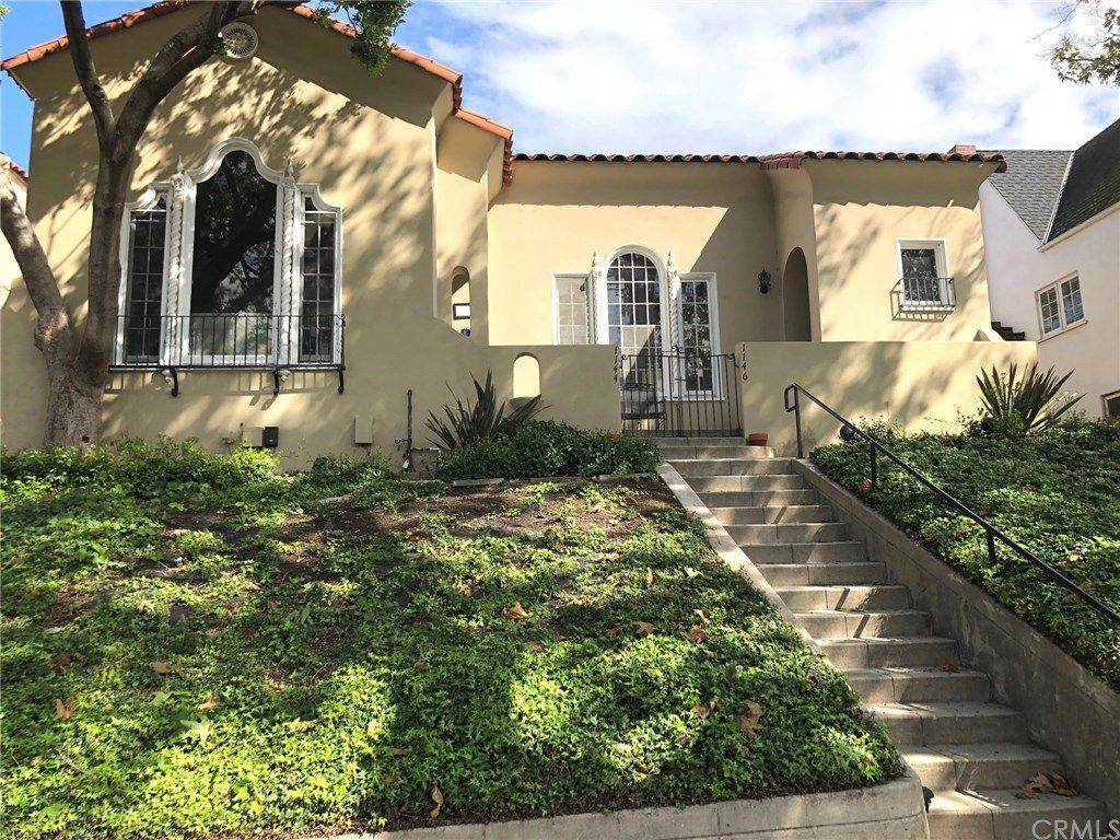 Los Angeles Apartments For Rent What 2 800 Rents Right Now Curbed La Los Angeles Apartments California Apartment Spanish Bungalow