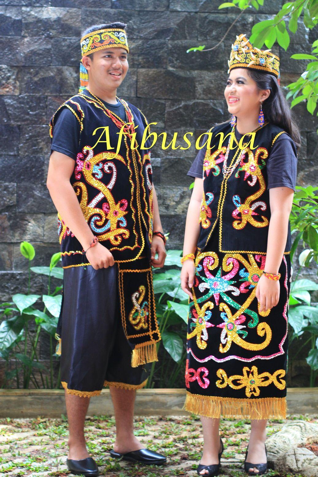 Hasil gambar untuk baju adat suku dayak laki | Budaya ...