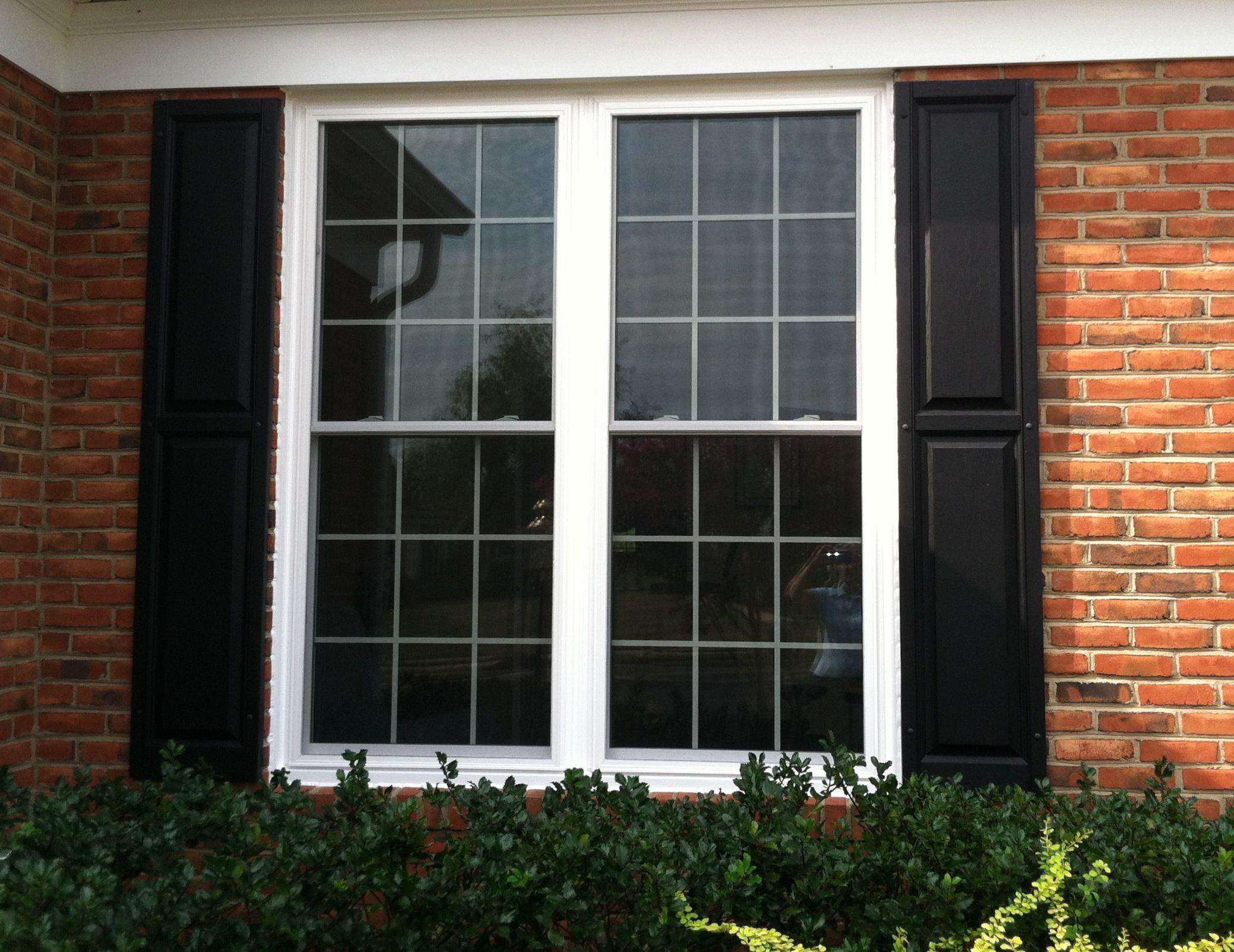 Learn The Top 3 Questions When Deciding Between Vinyl And Fiberglass Windows Windows Exterior House Exterior House Windows