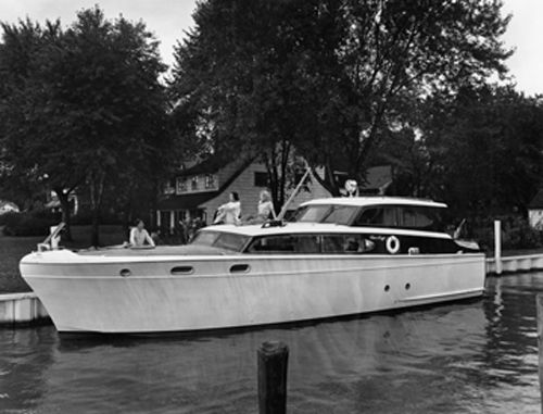 Chris Craft 1951-53 foot Commander :: The Mariners Museum