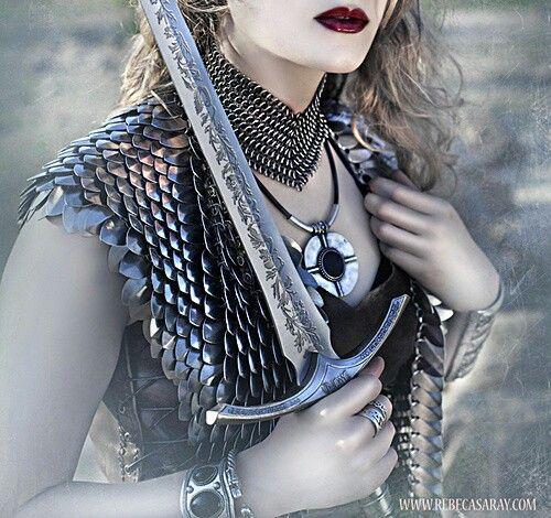 Medical choker Warrior woman, Throne of glass, Celaena