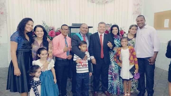 Que família linda é a família cristã unidos no amor de cristo