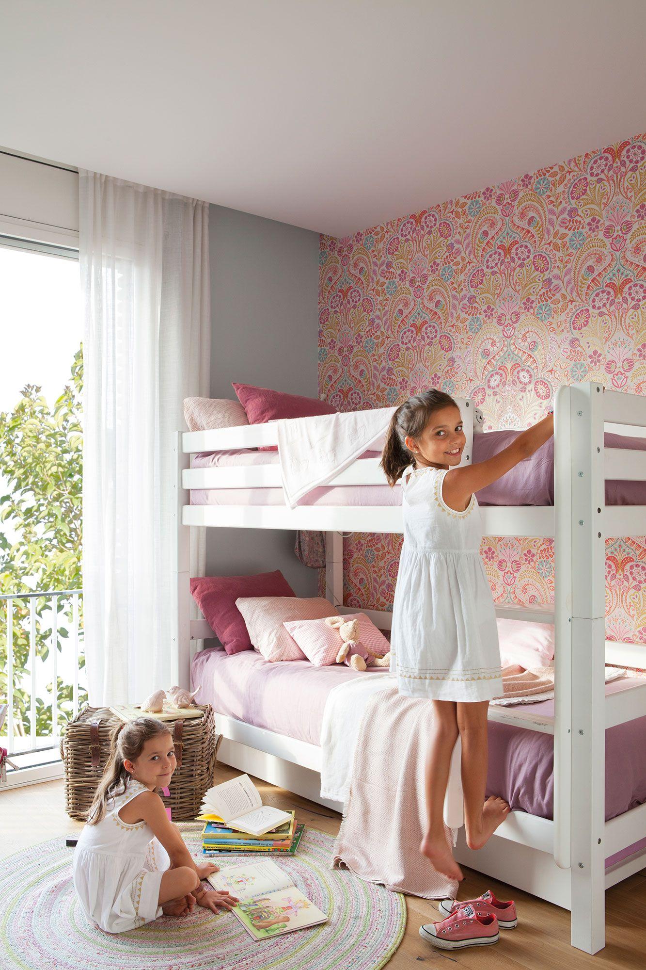 Pin De Room To Grow En Interiors Kids Rooms Pinterest Dos  ~ Papel Pintado Para Habitacion Juvenil De Niña