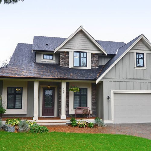 Mix Of Siding Shake And Board And Batten Home Design Ideas Pictures Remodel Farmhouse Exterior Colors Exterior Paint Colors For House House Paint Exterior