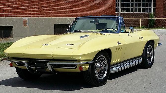 1966 Chevrolet Corvette Convertible 427 425 Hp 4 Speed Mecum Auctions Corvette Convertible Chevrolet Corvette Corvette