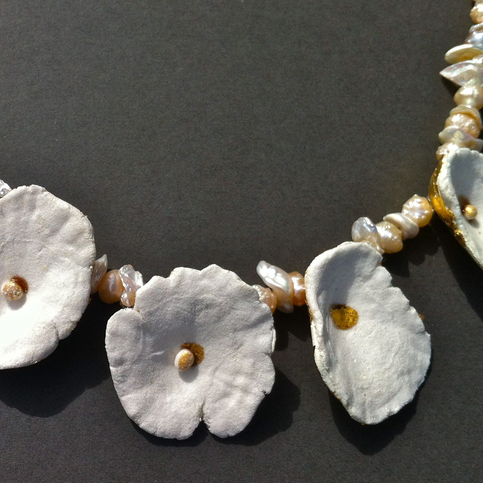 Necklace Papier Mache And Resin Gold Leaf And Pearls Hilary Bravo Collane Gioielli Tessili