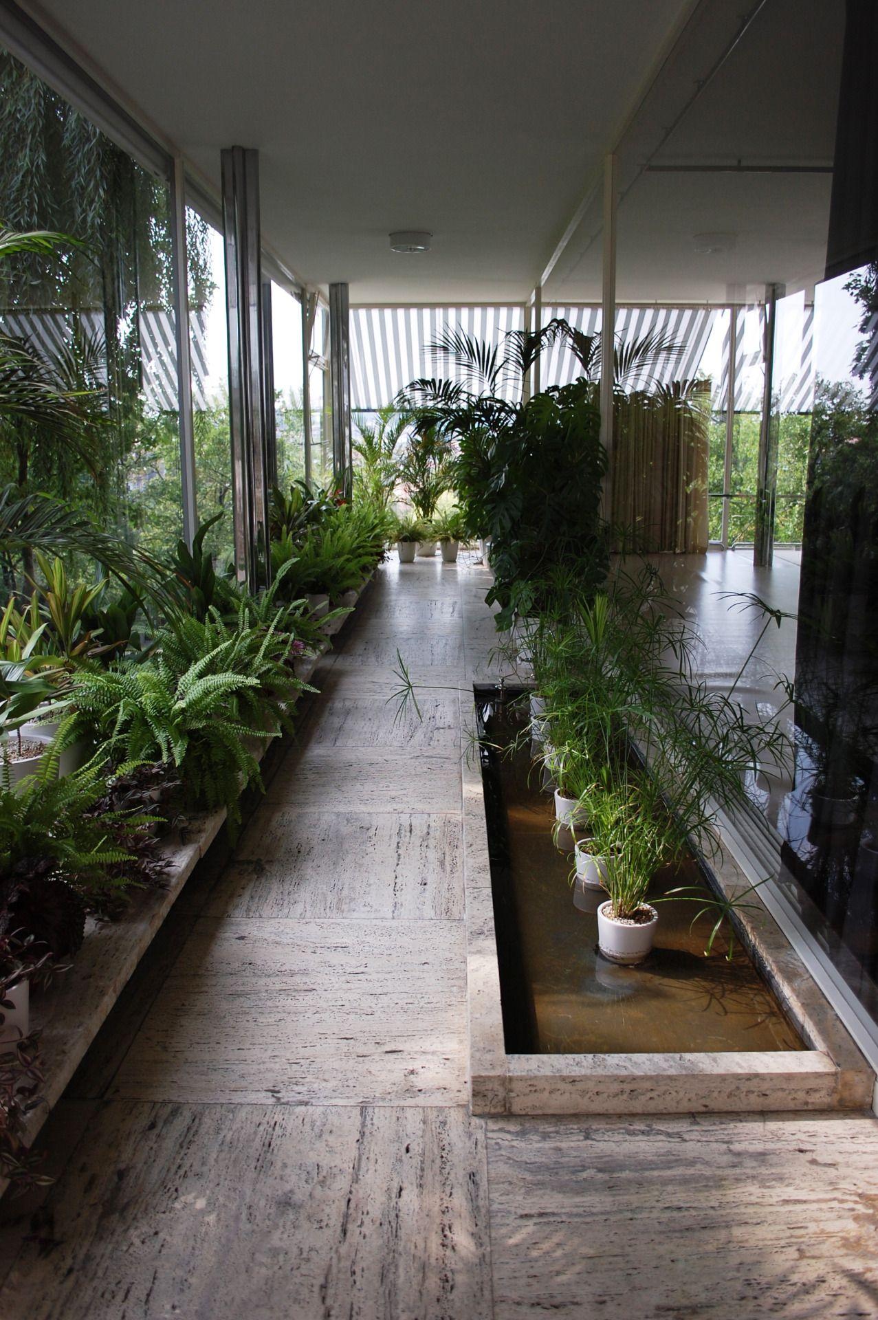 The villa tugendhat in brno by ludwig mies van der rohe - Arquitectos de interiores famosos ...