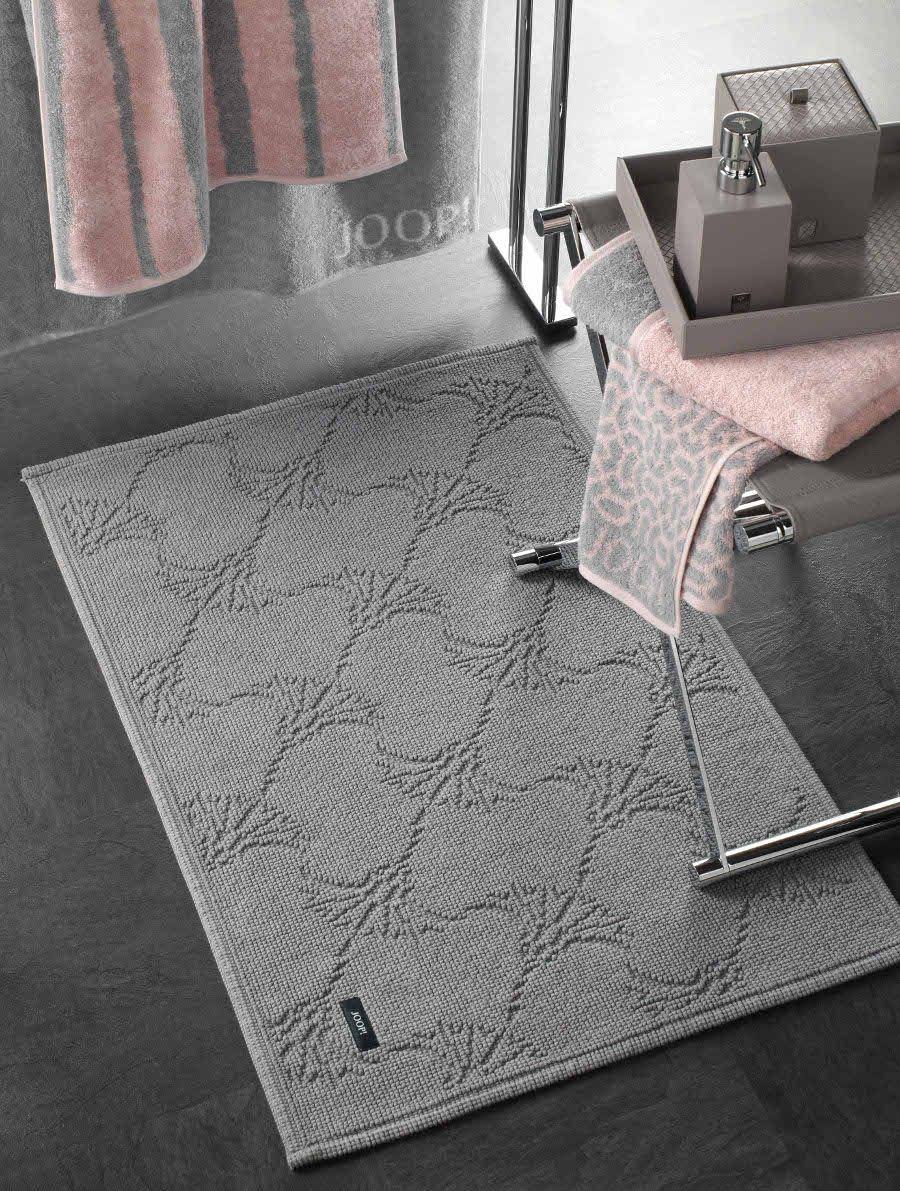 Ein Joop Badteppich Reiht Sich Nahtlos In Die Liste Jener Stilvoller Accessoires Ein Mit Denen Sie Ihren Individuel Badteppich Seifenspender Badezimmerteppich