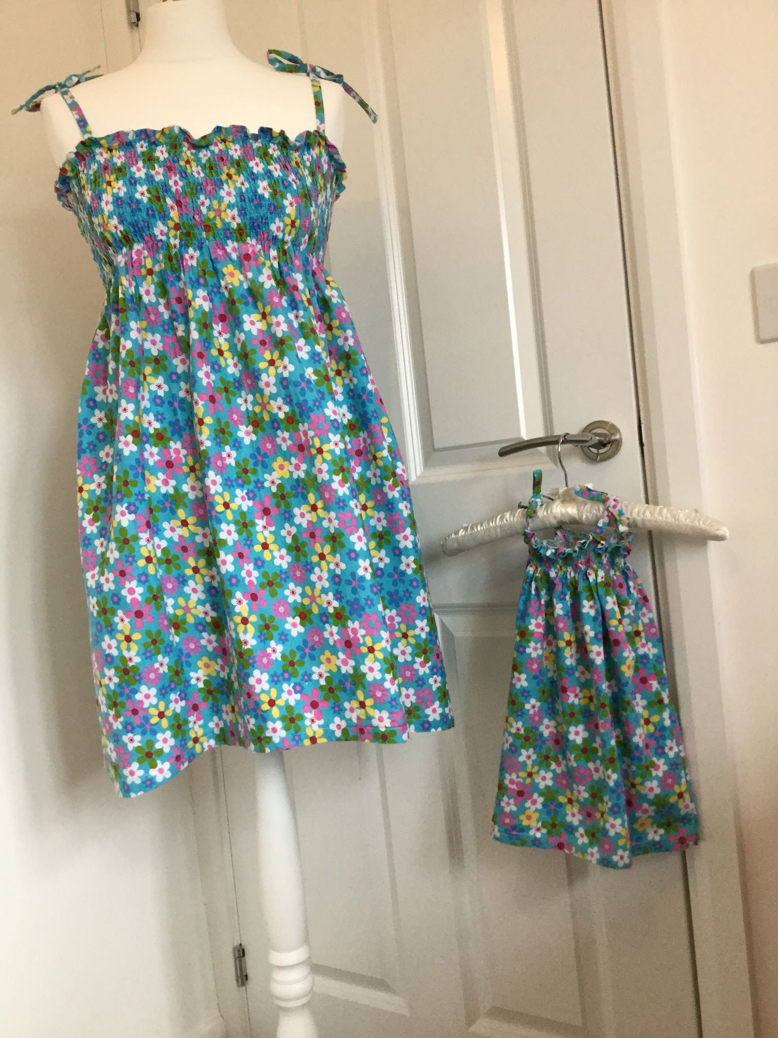 Mother and daughter matching summer dress