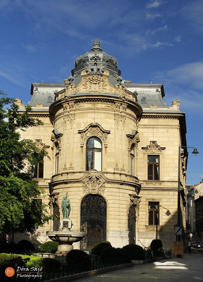 Ervin Szabó Library