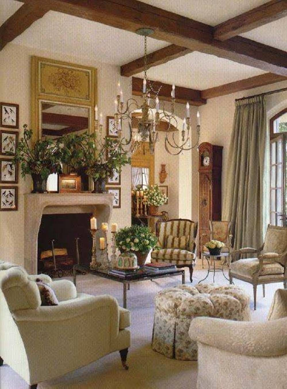 Living room best country style living rooms country for French country family room