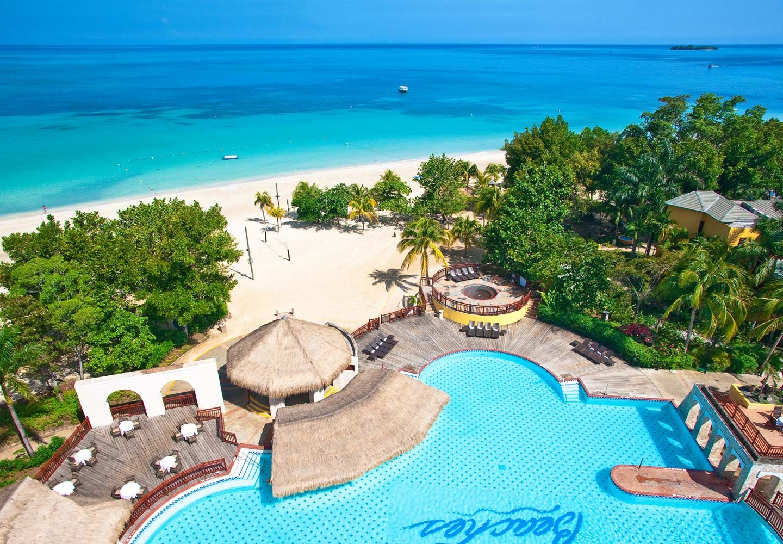 That Beach And Pool Great Combo Beachesmoms Familytravel Beaches Negril Beaches Resorts Jamaica Beach Resorts Beaches Resort Jamaica Resort