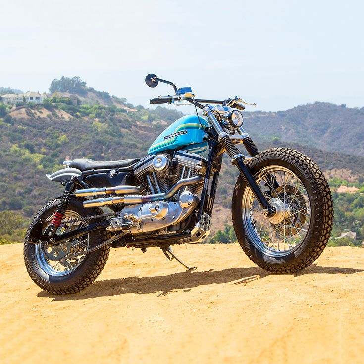 Is it time @harleydavidson  made a dirt track version of the Sportster? After seeing this build from the California workshop Thunder Road, we'd say yes. What say you?