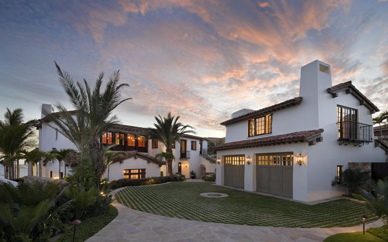 I Want To Do This With Our Driveway A Great Departure From The Usual Slab Of Concrete Or Pa Spanish Style Homes Spanish Style Interiors Tropical Beach Houses