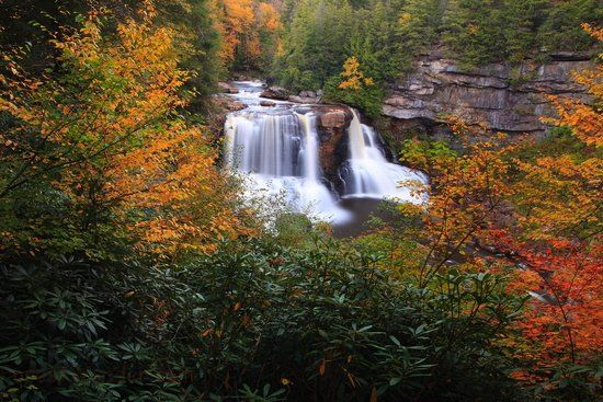 11 Amazing Places In West Virginia That Are A Photo Taking Paradise West Virginia Waterfalls Virginia Waterfalls West Virginia Travel