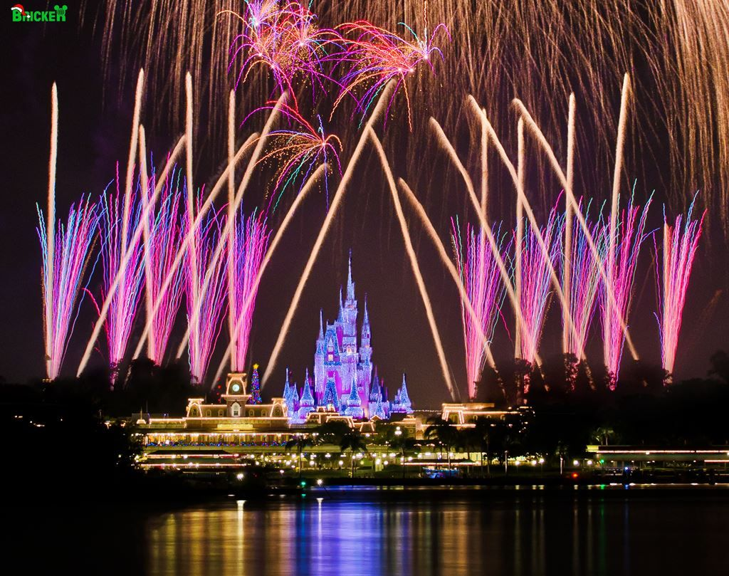 holiday wishes at mickeys very merry christmas party - Disney Christmas Party 2015