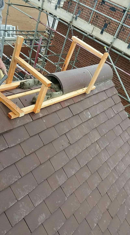 Ridge Tile Bedding Jig Ridge Tile Bedding Jig Bedding Budowadachu Dach Dachawiatr Dachabdichtenfolie Dachbauen In 2020 Brick Roof Roof Cladding Diy Roofing