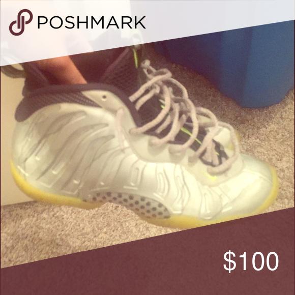 Nike Foams Lightly worn Shoes Sneakers